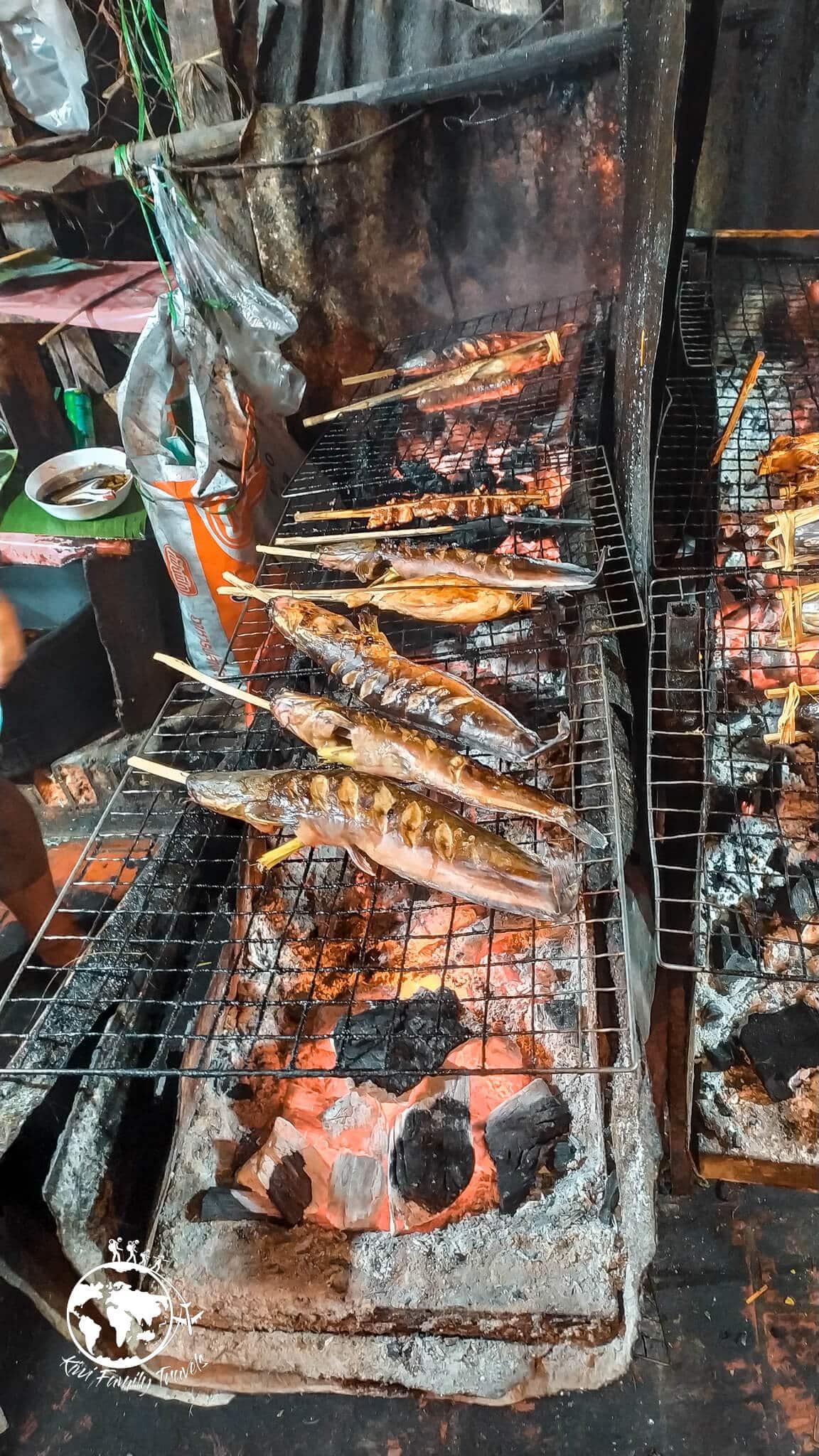 Night market brochette de poissons